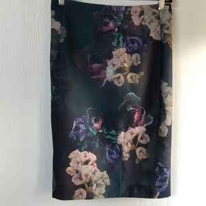 H&M dark green floral skirt
